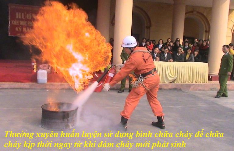 thường xuyên huán luyện sử dụng bình chữa cháy
